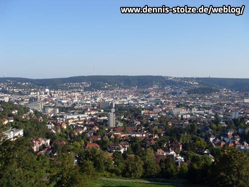 Blick über Stuttgart-Mitte vom Bismarckturm im Stadtteil-Lenzhalde